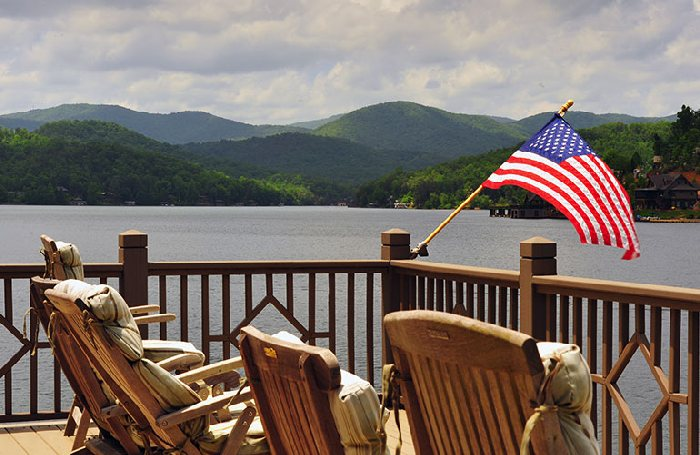 Top 10 US Cities And Towns To Celebrate The 4th July in 2017 vacations holidays with family kids trips traveling great places