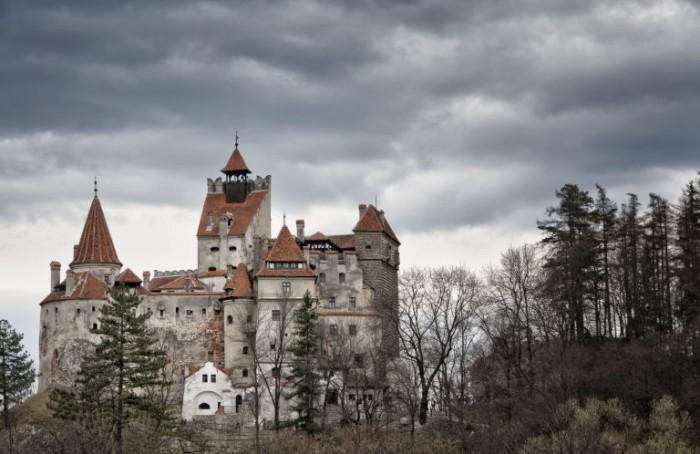 bran-castle dracula romania honeymoon 2017