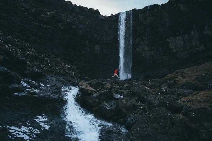 5-Fossa-waterfall-faroe-islands-2017